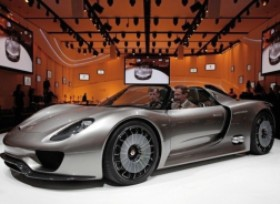 Porsche Spyder Hybrid revealed