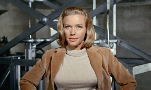 Honor Blackman Bond Girl, Pussy Galore in Goldfinger