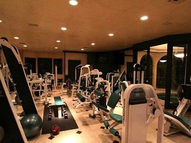 amazing-gyms-hulk-hogan