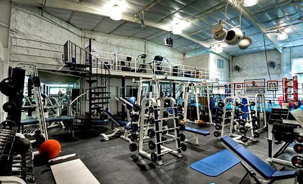 amazing-gyms-mark-wahlberg-gym