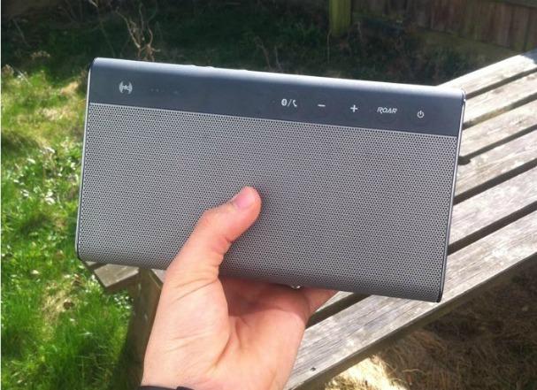 creative-soundblaster-roar-speaker-bluetooth