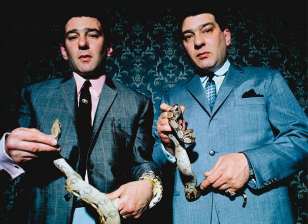 legend-kray-twins-snake