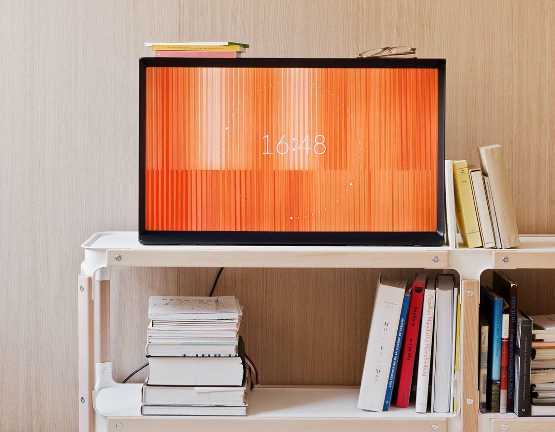 bouroullec-samsung-serif-tv-3