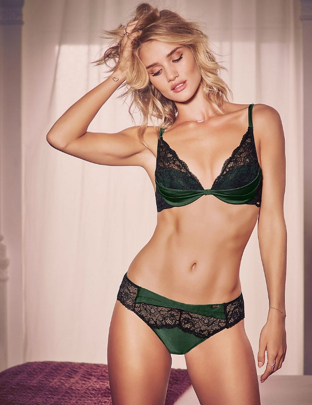what-your-girlfriend-wants-christmas-lingerie-rosie-autograph-marks-spencer