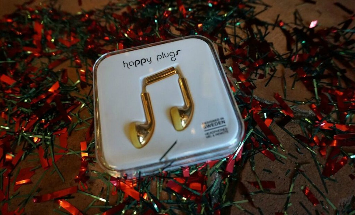 what-your-girfriend-wants-christmas-happy-plugs-gold