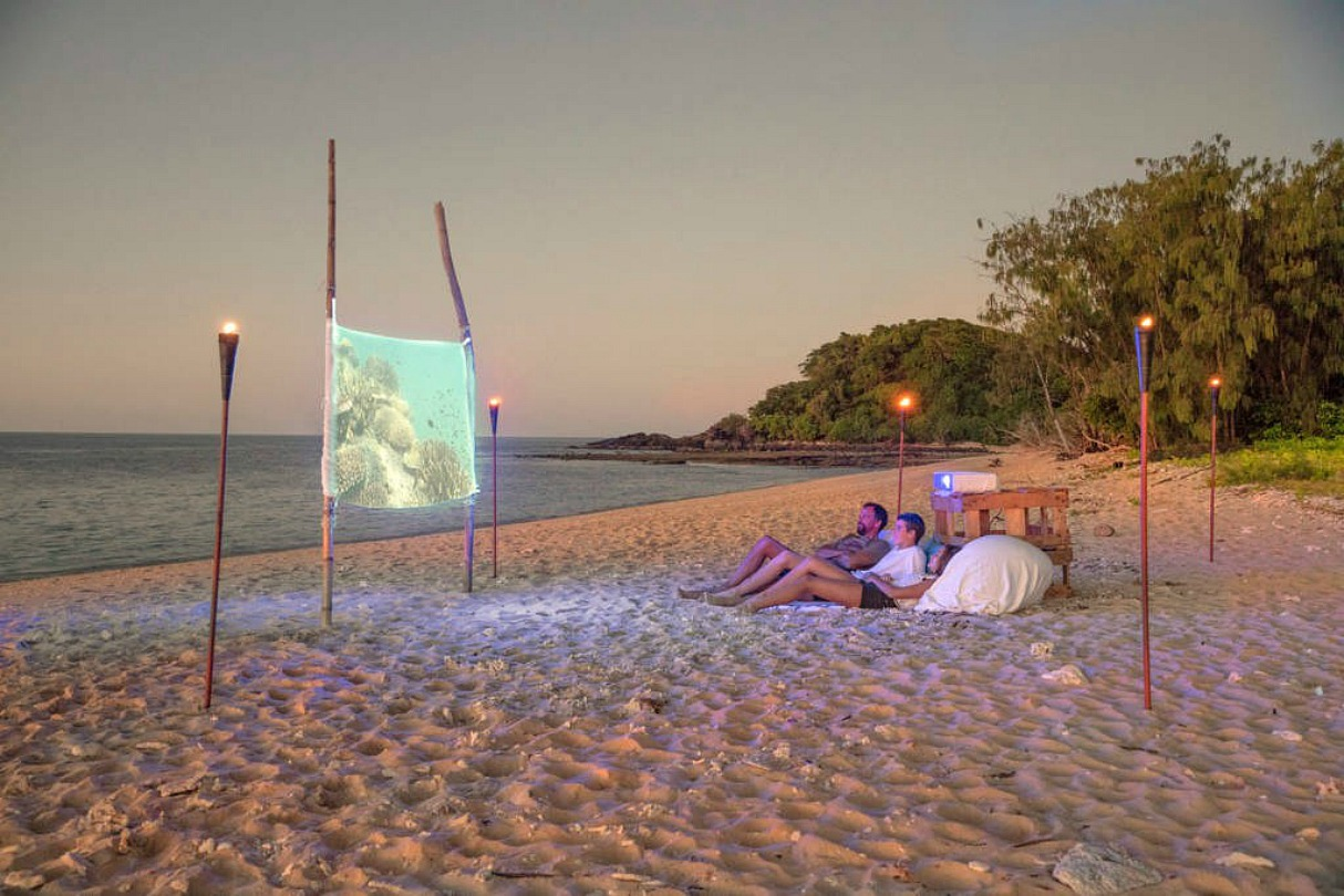 Airbnb Great Barrier Reef Floating Home 3