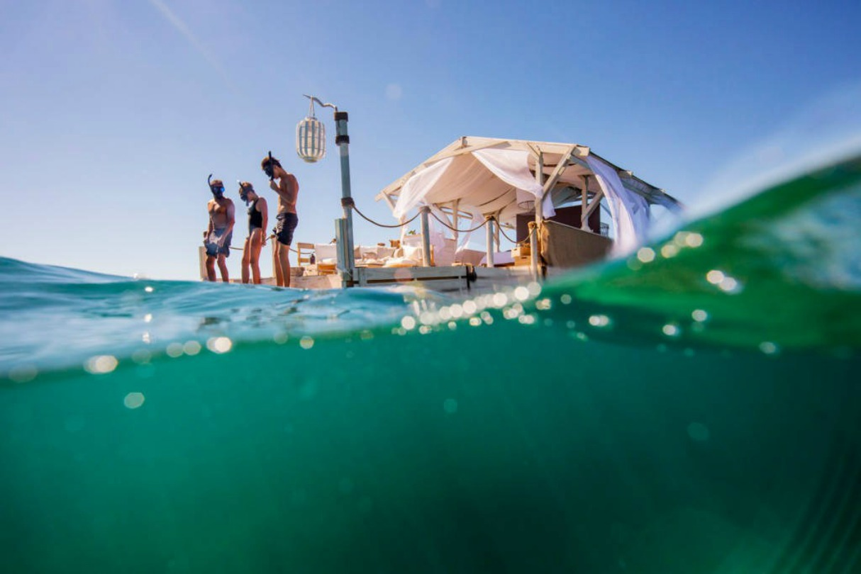 Airbnb Great Barrier Reef Floating Home 4