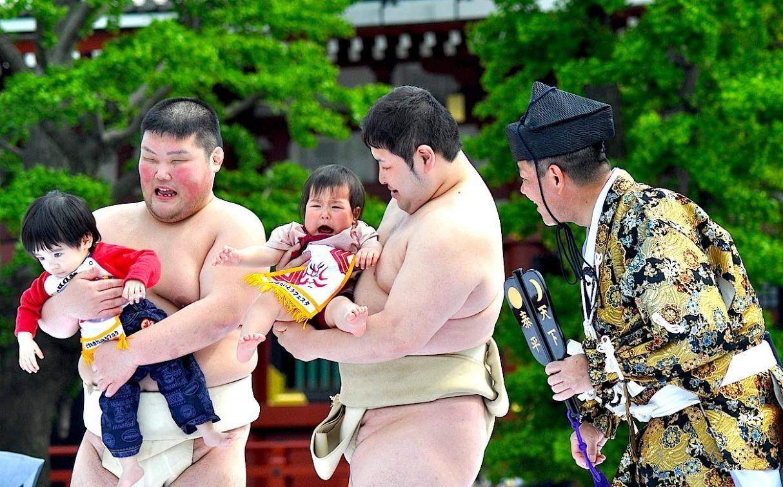 Weirdest World Championships Nakizumo Baby Crying