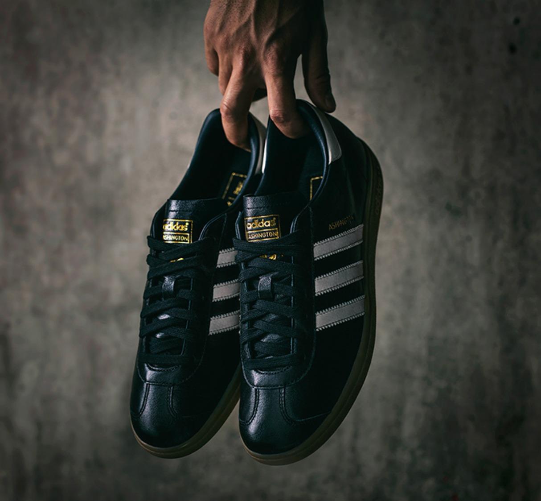 Man Utd adidas Originals Ashington 2