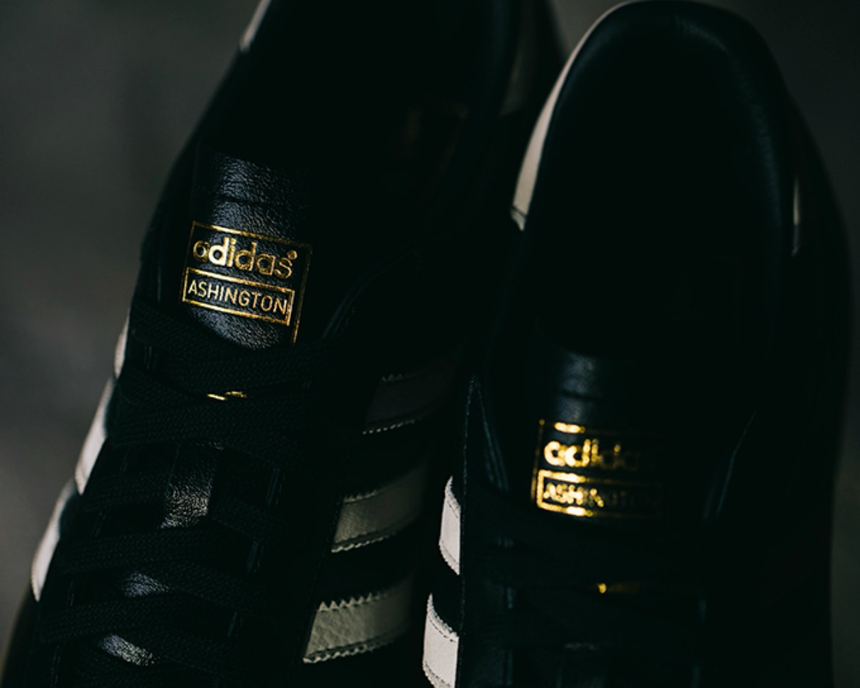 Man Utd adidas Originals Ashington 4