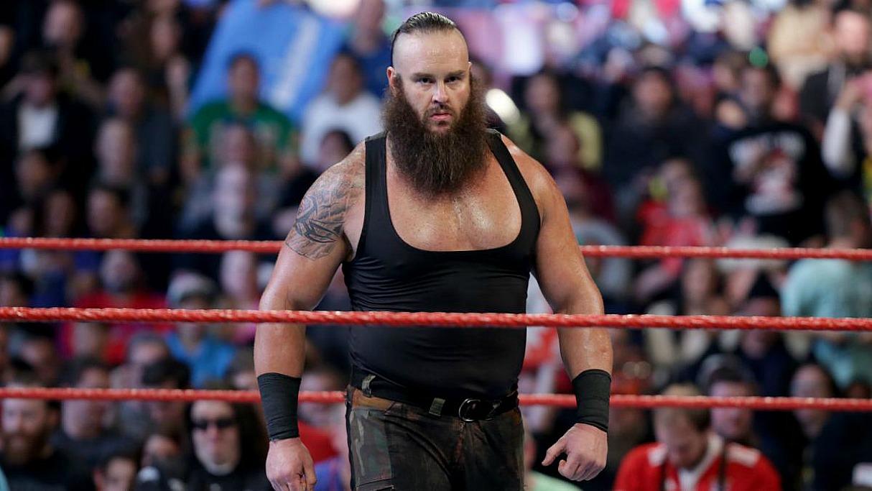 Mayweather v McGregor 5 Sporting Contest WWE Raw