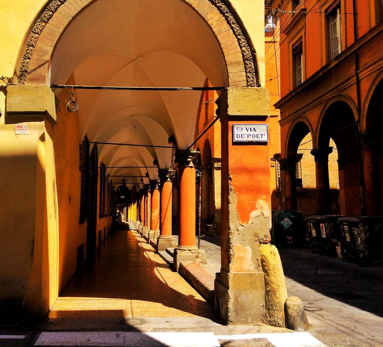 bologna-italy-city-guide-collonades