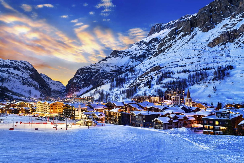 ski-resorts-worlds-best-skiing-val-disere-france