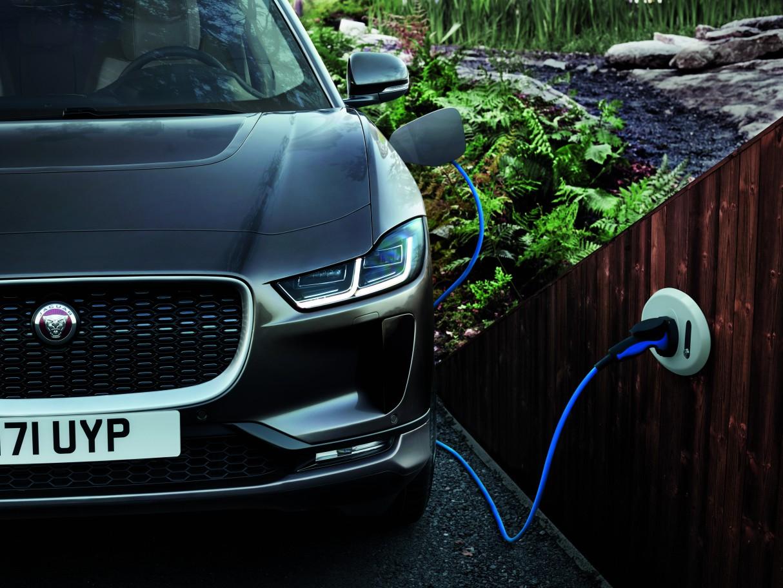 jaguar-i-pace-electric-car-3