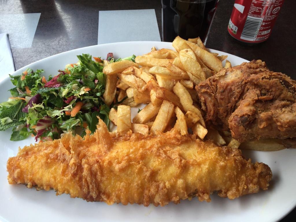 best-fish-chips-shops-london-golden-chippy