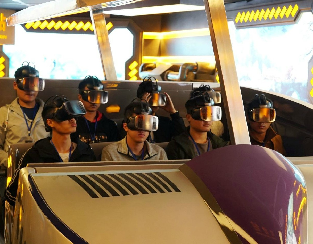 oriental-science-fiction-valley-virtual-reality-theme-park-china-giant-robot-2