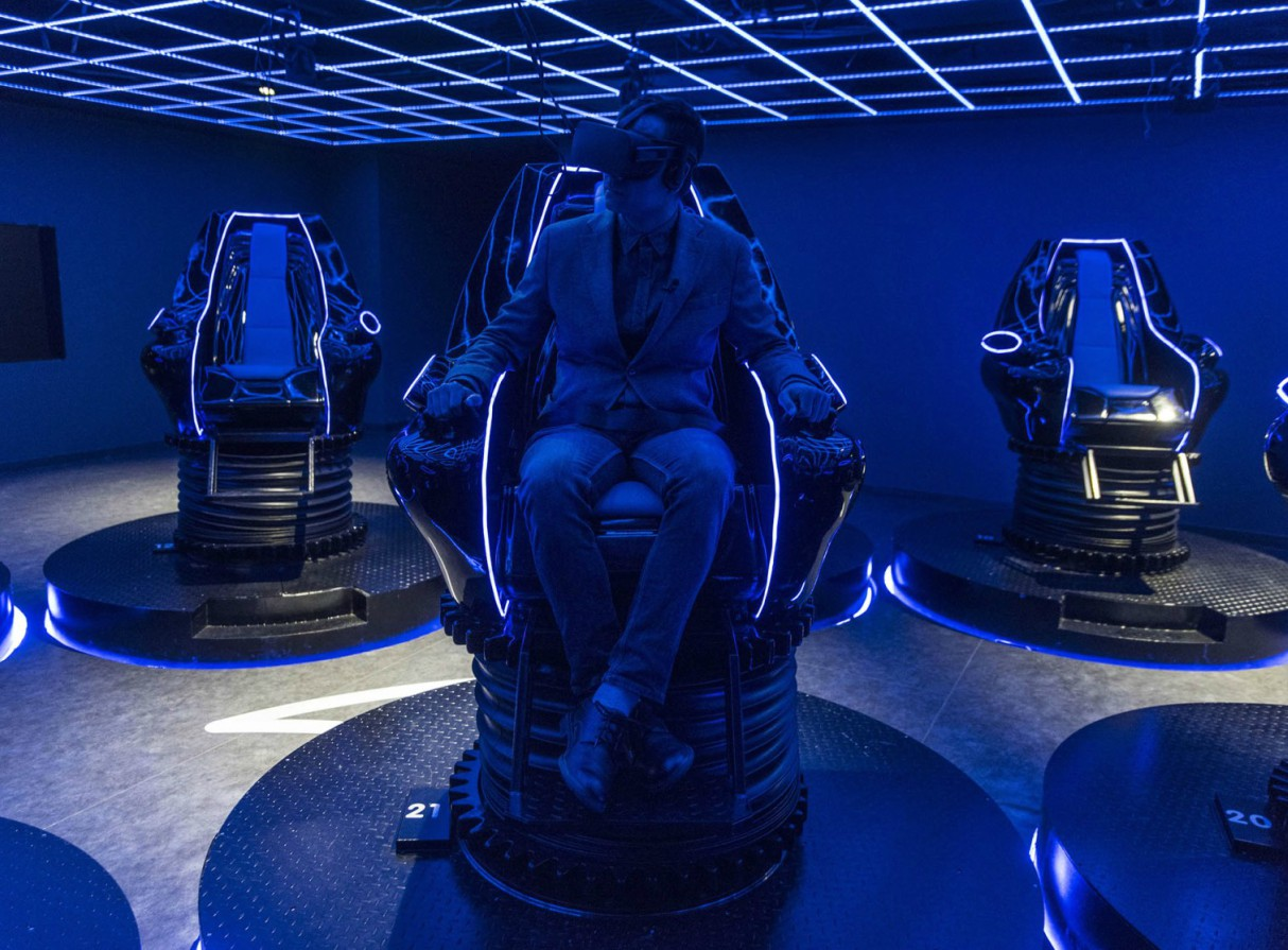 oriental-science-fiction-valley-virtual-reality-theme-park-china-giant-robot-3
