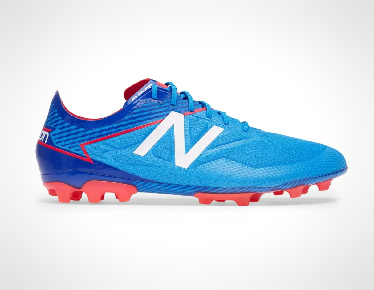 boots-4g-artificial-pitches-astroturf-new-balance