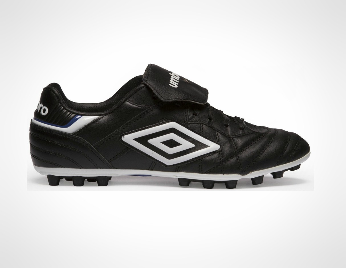 boots-4g-artificial-pitches-astroturf-umbro