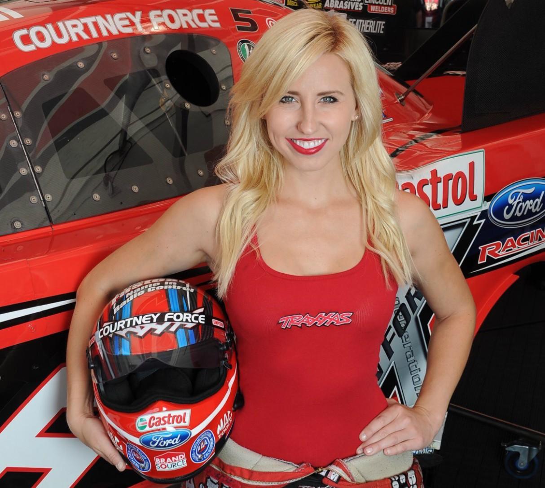 hottest-women-motorsport-courtney-force-racing