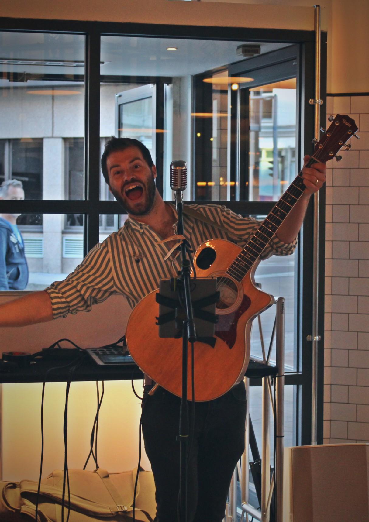 gourmet-bar-kitchen-review-novotel-london-bridge-music