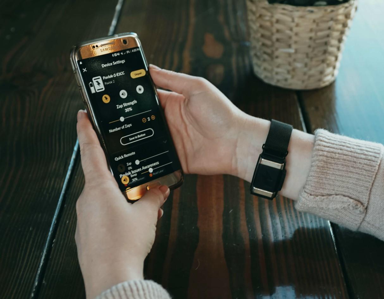 pavlok-electric-shock-bracelet-watch-habits-alarm-2