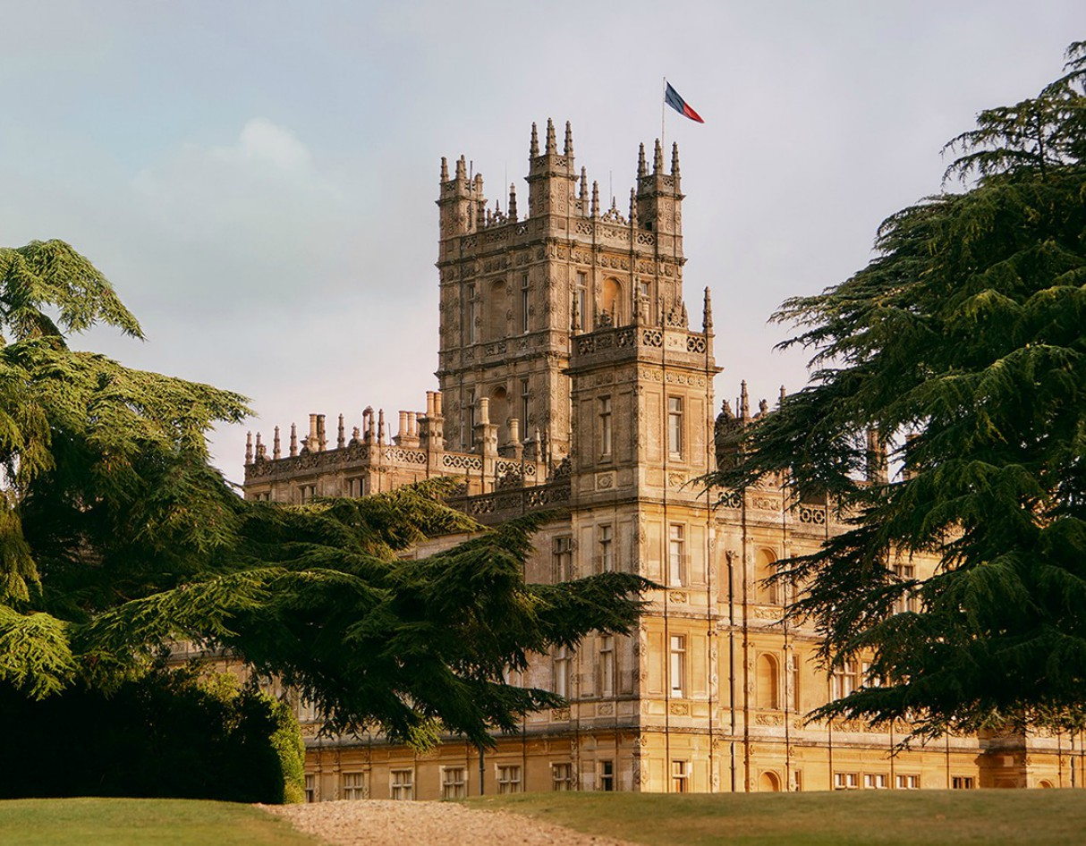 downton-abbey-highclere-castle-airbnb-2
