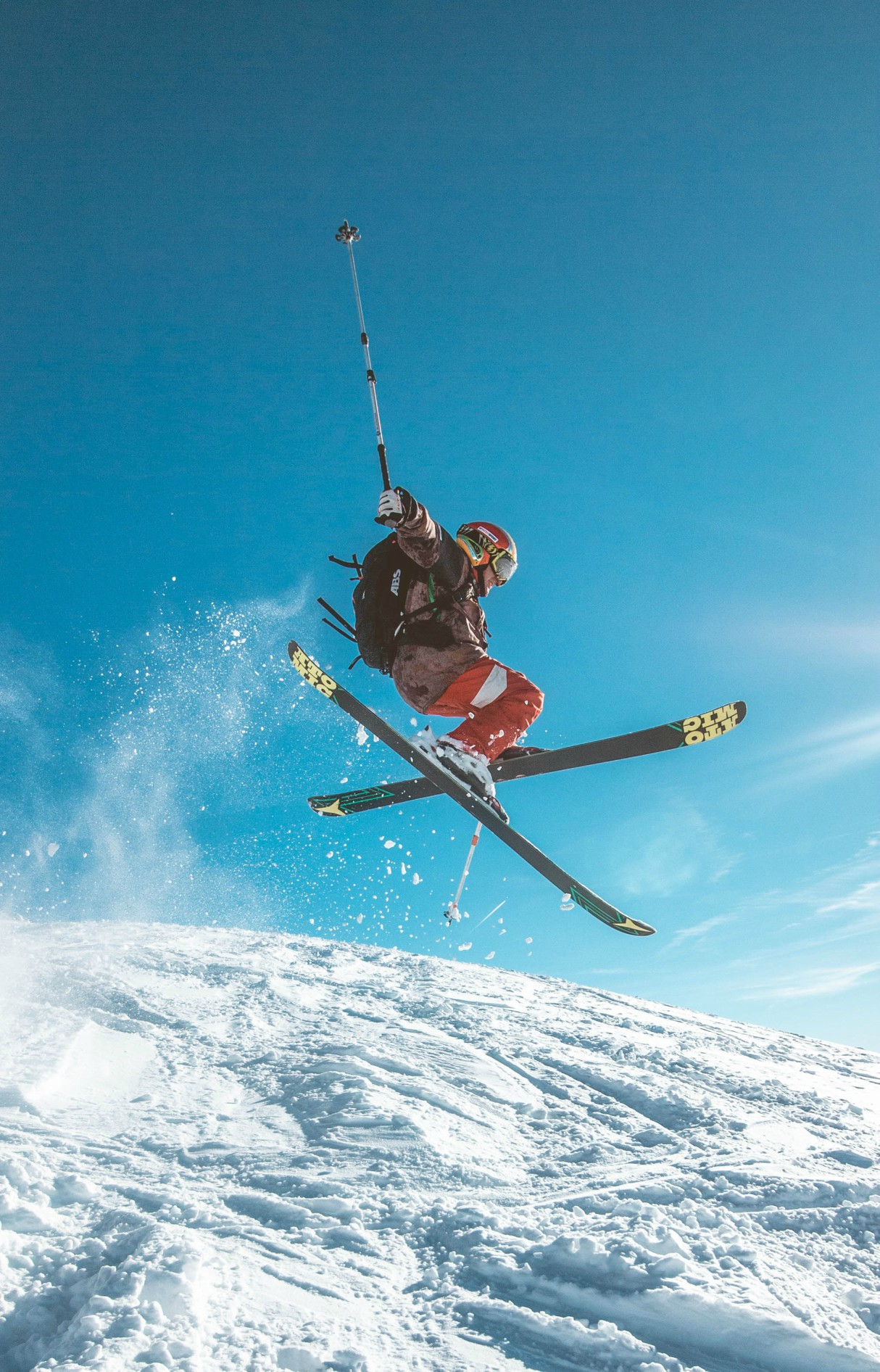 skiwear-skiing-essentials-2019-feature